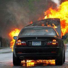 Авто охваченные огнём