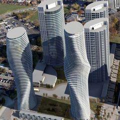 Строителство нового жилого комплекса «Absolute Towers»в городе Миссиссауга, Канада (фото)