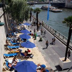 Искусственные пляжи в Париже