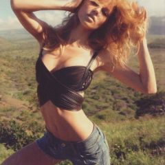 Фото Маши Новоселовой (Masha Novoselova) в испанском Vogue, июнь 2010