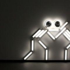 Скульптуры из ламп и зеркал от Ивана Наварро (Ivan Navarro)