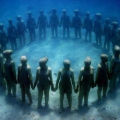 Подводный музей скульптур в Канкуне, Мексика