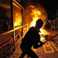 Студенческие беспорядки в Лондоне продолжаются