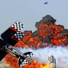 Аэробатическое шоу в аэропорту Аль-Айн