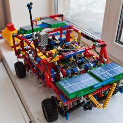 Школьные роботы из Лего