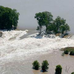 Наступающее наводнение на юге США