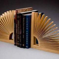Необычные книжные подставки