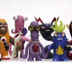 Игрушки от Pete Fowler