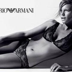 Сексуальная реклама для Emporio Armani