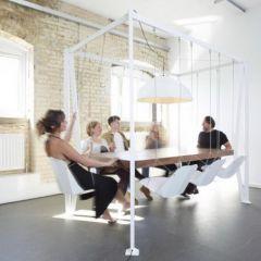 Интересный дизайнерский стол