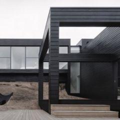 Вилла с черным фасадом
