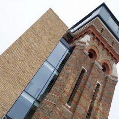 Проект современного дома в старой башне