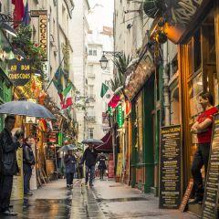 Новый обзор закусочных в Париже от Airbnb