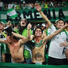 Колумбийские футбольные фанаты