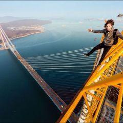 «Высотные» фотографии Владивостока от московских руферов