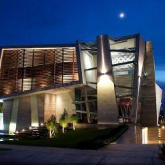 Casa Gomez: авангардная архитектура виллы от мексиканских архитекторов