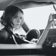 Виктория Бэкхэм на обложке австралийского Vogue