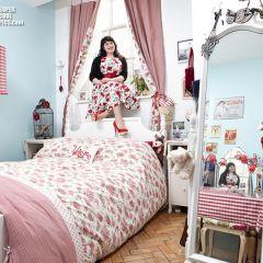 Подглядеть в женскую спальню