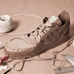 Картонные кроссовки