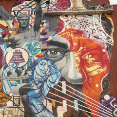 Граффити Tristan Eaton