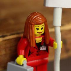 Фигурки Lego - держатели проводов