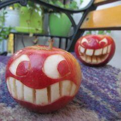 Яблочный арт Annukka Lindqvist