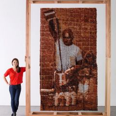 Портрет, сделанный из 20000 чайных пакетиков