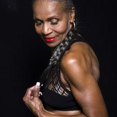Эрнестина Шепард — 77-летняя женщина-бодибилдер
