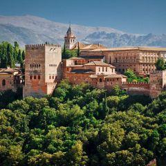 Топ-10 самых красивых замков мира и удивительных дворцов