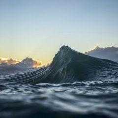 Волны как горы: фотографии Ray Collins