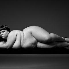 Полные женщины в фотографиях Yossi Loloi