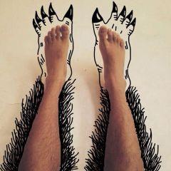 Разрисованные ноги Uttam Sinha