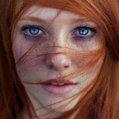 Рыжие девушки в фотографиях Maja Top?agi?