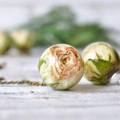 Живые цветы в невероятных украшениях магазинчика Resity