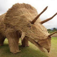 Японские скульптуры из рисовой соломы