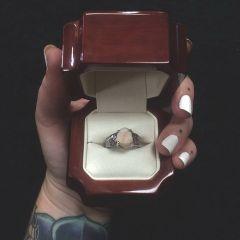 Самое креативное помолвочное кольцо на свете