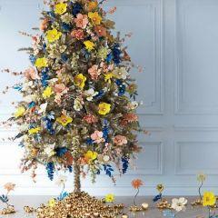20 идей цветочного оформления новогодних елок