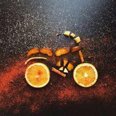 Мотоциклы из повседневных предметов: работы Cinzia Bolognesi