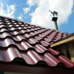 Металлочерепица: лучший материал для крыши коттеджа