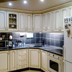 Угловая кухня - спасение в маленькой квартире