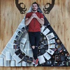 Мужчина и его книги: фотопроект James Trevino